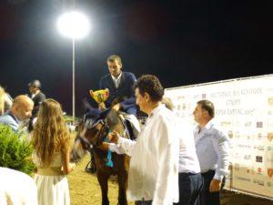 Павлин Ангелов получава приз Най-добър състезател на турнира
